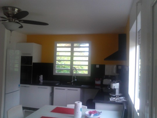 Appartement bunaco gosier guadeloupe campagne for Cuisine ouverte guadeloupe
