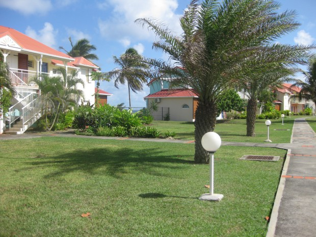 Appartement 5328 saint fran ois guadeloupe bord de mer for Appartement location jardin
