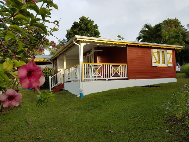 Bungalow anguilla petit bourg guadeloupe campagne for Jardin tropical guadeloupe