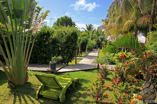 Bungalow domaine de la vall e d 39 or saint fran ois for Jardin tropical guadeloupe