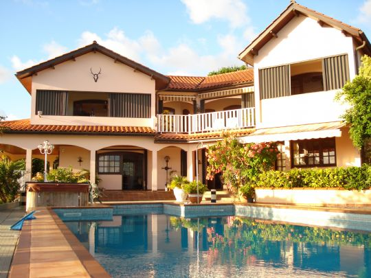 Villa prestige l 39 hacienda diamant martinique for 972 martinique location maison
