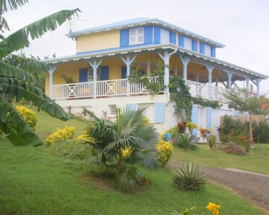 Studio kay mimi fran ois martinique bord de mer for 972 martinique location maison