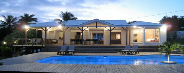 Villa location vacances sainte anne guadeloupe for Hotel design guadeloupe