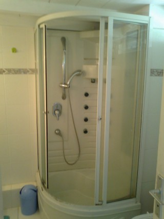 Location Appartement Guadeloupe - cabine douche
