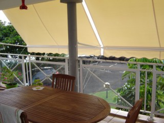 Location Appartement Guadeloupe - stores sur terrasse