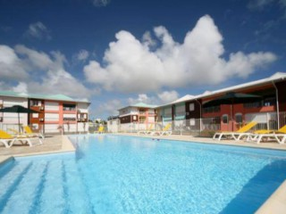 Location vacances Appartement Saint-François: Grande Piscine ...<br />
