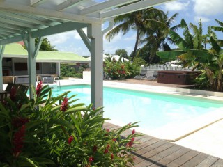 Location Appartement Guadeloupe : piscine, clim, internet, jaccuzzi