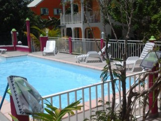 Location Appartement Guadeloupe : piscine, clim