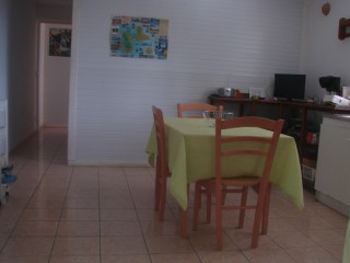 Location Appartement Guadeloupe - coin cuisine / salle à manger