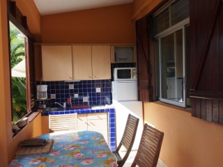 Location vacances Appartement Sainte-Anne: kitchenette ...<br />