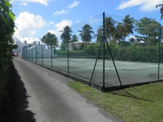 Location vacances Appartement Sainte-Anne: Tennis ...<br />