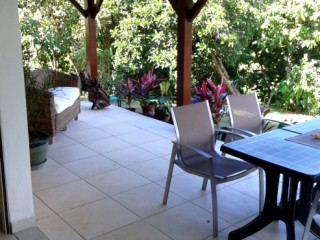 Location vacances Appartement Sainte-Rose: terrasse ...<br />