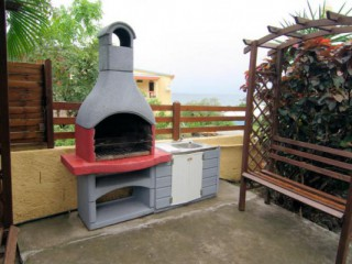 Location vacances Appartement Anses-d'Arlet: coin barbecue ...<br />