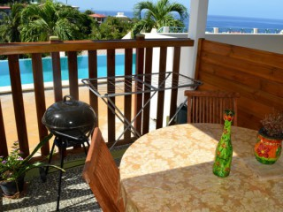 Location vacances Appartement Carbet: la terrasse et son barbecue ...<br />