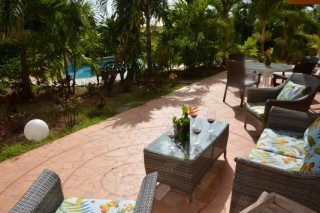Location Appartement Saint-Martin - Apero sur la terrasse Villa Orange