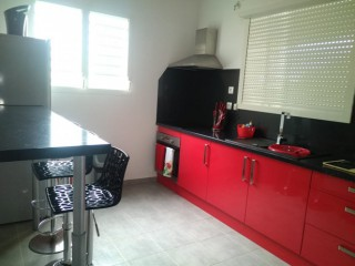Location vacances Appartement standing Abymes: cuisine R1 ...<br />