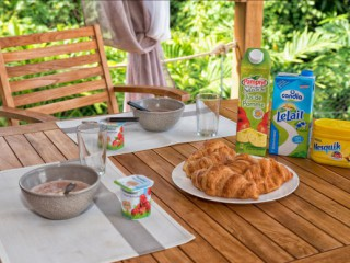 Location Bungalow Guadeloupe - Le coin repas
