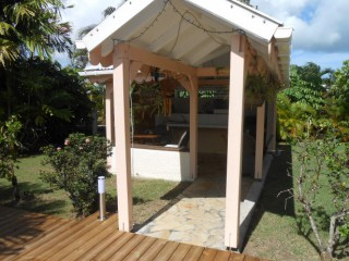 Location vacances Bungalow Sainte-Anne: carbet ...<br />