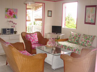 Location vacances Bungalow Sainte-Anne: Le salon 4,50X4,50m ...<br />