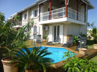 Location Duplex Guadeloupe : piscine, clim, internet