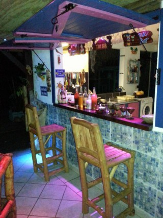 Location Gîte Guadeloupe - Le Tiki Bar de la table d'hôtes