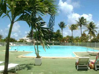 Location vacances G�TE Guadeloupe: vue mer, piscine, climatisation, animaux, connexion internet