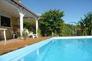 Location Studio Guadeloupe : vue mer, piscine, internet