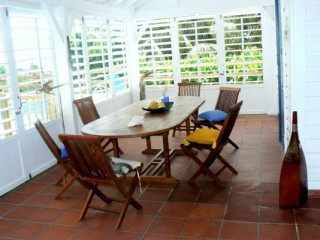 Location Villa Guadeloupe - salle a manger