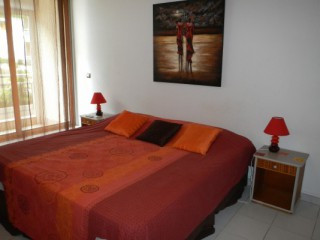 Location vacances Studio Marigot: Lit King Size ...<br />