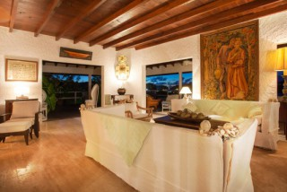 Location Villa prestige Saint-Barth - Salon le soir