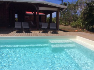 Location vacances Villa Sainte-Rose: Piscine ...<br />