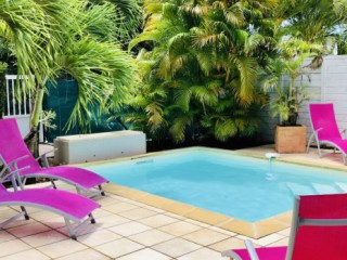 Location vacances Villa Diamant: La piscine ...<br />